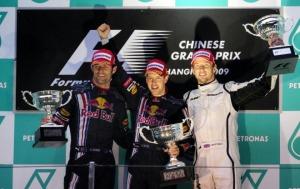 La alegría de los tres primeros en el podium